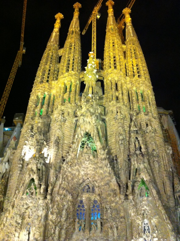 Sagrada Família glowing at night